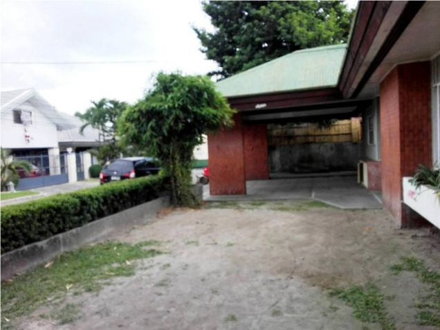 500sqm Bungalow House & Lot For Rent Along Friendship Hiway In Angeles City - 3