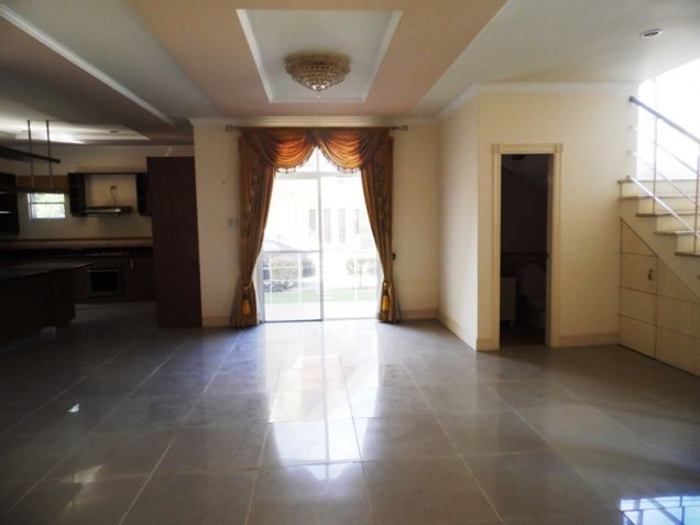 2-StoreyFurnished House & Lot For Rent In Hensonville Angeles City W/Golf Course ,Lawn Bowling Ect. - 9