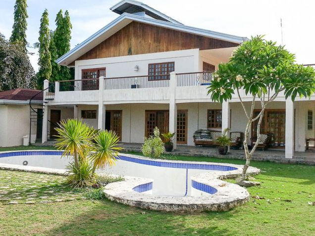 7 Bedroom House for Rent with Swimming Pool in Cebu City - 5