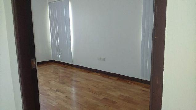 40K House and Lot for rent located in a gated subdivision in Angeles City - 2