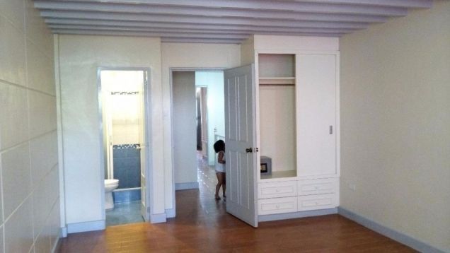 For Rent Three Bedroom Townhouse In Angeles city - 1