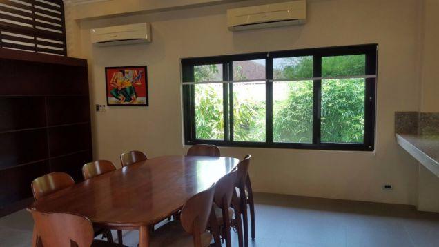 5 bedroom house in Maria Luisa - 4