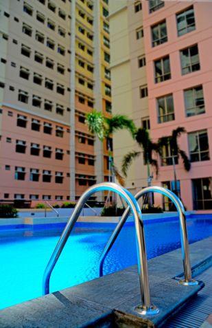 Own the Available 3 bedroom-combined Condo Units @ San Juan City with discount - 3