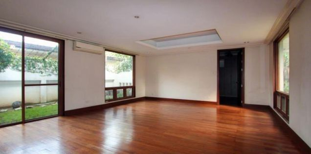 4 Bedroom Elegant House for Rent in Urdaneta Village Makati(All Direct Listings) - 1