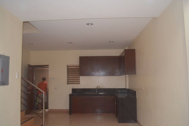 Lahug 2 storey townhouse with 3 spacious bedrooms unfurnished P25K - 0