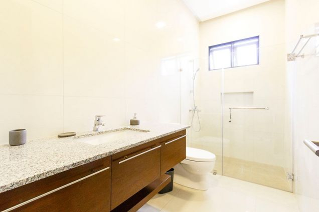 Brand New 5 Bedroom House for Rent in Maria Luisa Park - 4