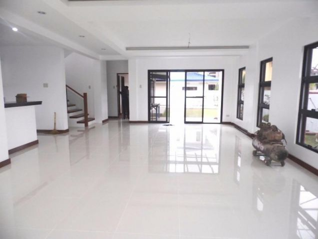 Semi furnished house and lot for rent in Angeles with 3BR - 80K - 0