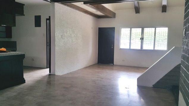 4 Bedroom Spacious Corner Bungalow House in Balibago - 5