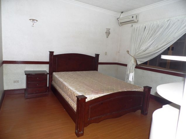 6 Bedroom House with swimming pool for rent in Hensonville - 85K - 5