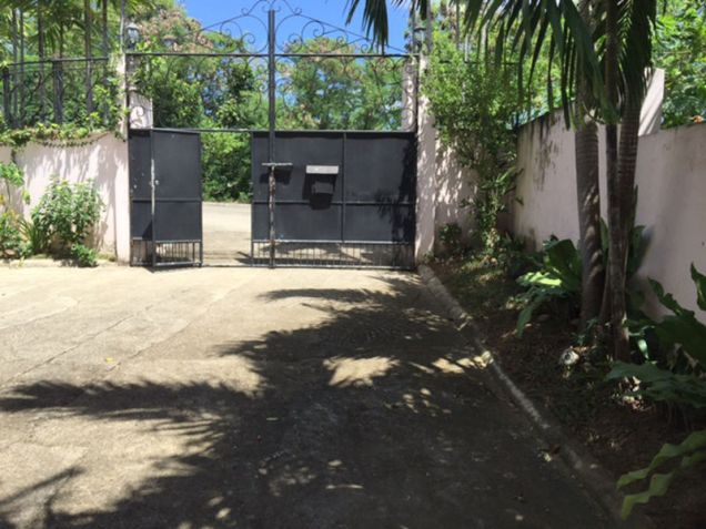 House and Lot, 4 Bedrooms for Rent in Ma. Luisa, Banilad, Mandaue, Cebu GlobeNet Realty - 9