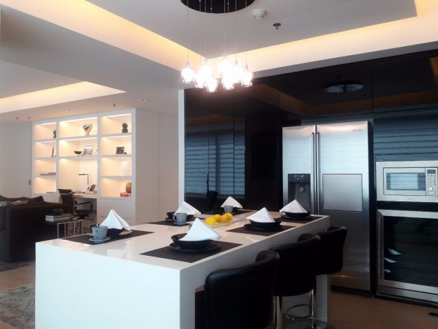 1BR For Sale in Ayala Avenue, Makati - 0