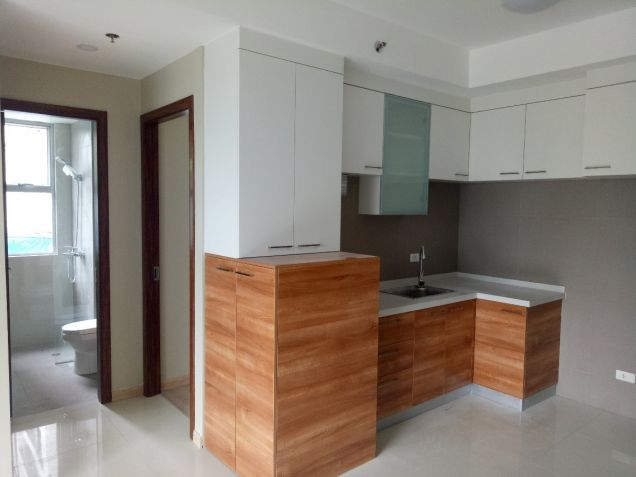Ready for Occupancy 2 bedroom condo unit in near Shangrila, Robinsons Galleria - 3