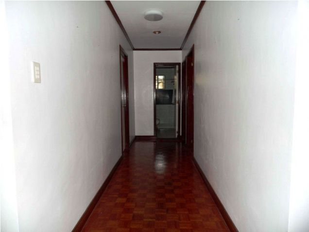 Corner Lot w/ Huge Yard House & Lot For RENT In Friendship Angeles City - 3