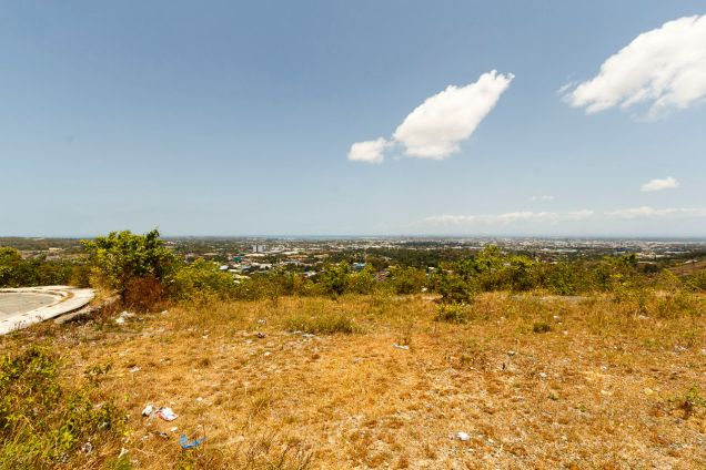 1000 SqM Hilltop Lot for Sale Overlooking Cebu City - 4