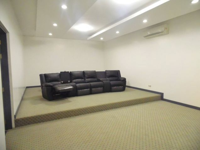 House with Cinema room for rent in Hensonville - 90K - 6