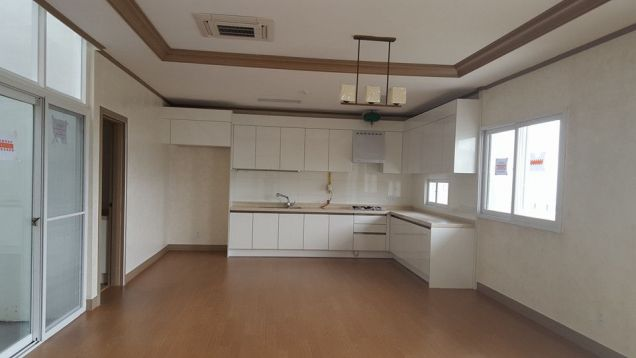 House and Lot with Swimming Pool for Rent at Angeles City Clark Free Port Zone Pampanga - 4