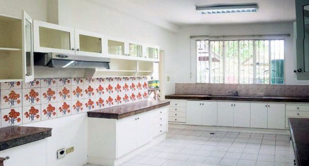 5 Bedroom House for Rent/Lease in Urdaneta Makati(All Direct Listings) - 8