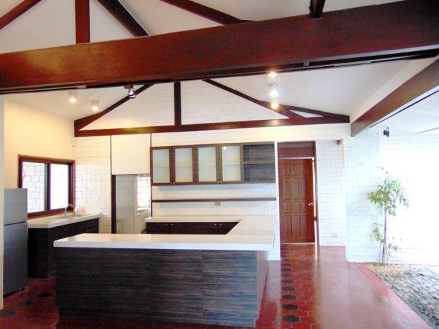 House for Rent in Banilad, Cebu City, 4 Bedrooms - 6