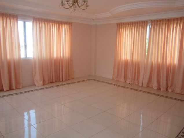For Rent 5 Bedrooms House w/ Pool Overlooking City Banilad Cebu City - 6