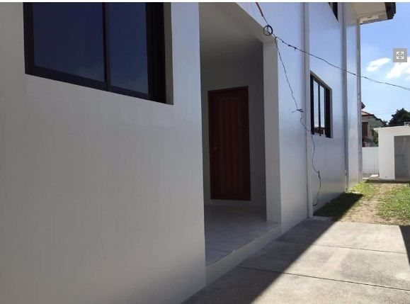 Furnished House with Swimming pool for rent in Hensonville - 1