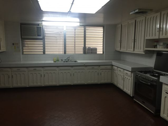 House for Rent in Dasmarinas Village - 4