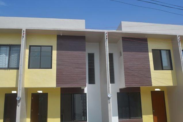 Lapu lapu townhouse with 2bedrooms Furnished near mactan newtown P18K - 1