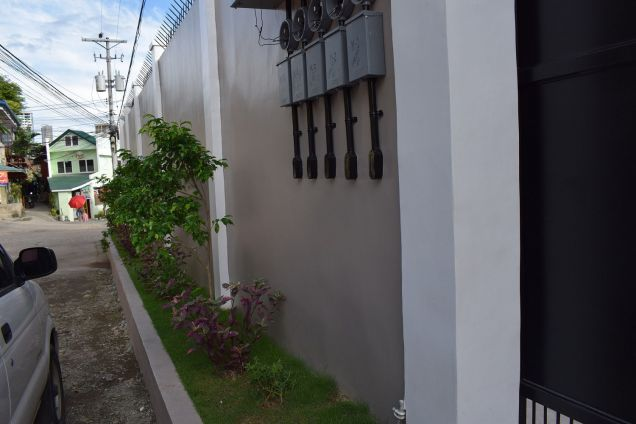 3 Bedrooms Unfurnished Brandnew Duplex House In Banawa - 2