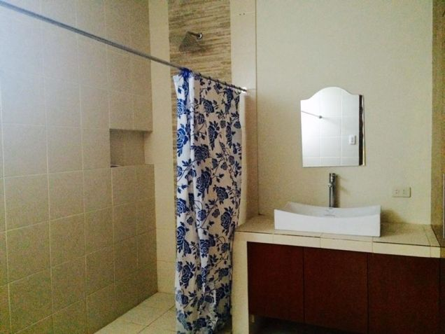 4 Bedroom Furnished Modern House In Angeles City - 8