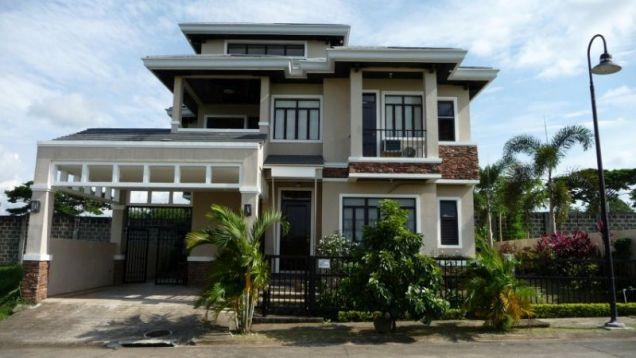 House for rent in Bali Mansions South Forbes Golf City near Nuvali and Solenad - 0