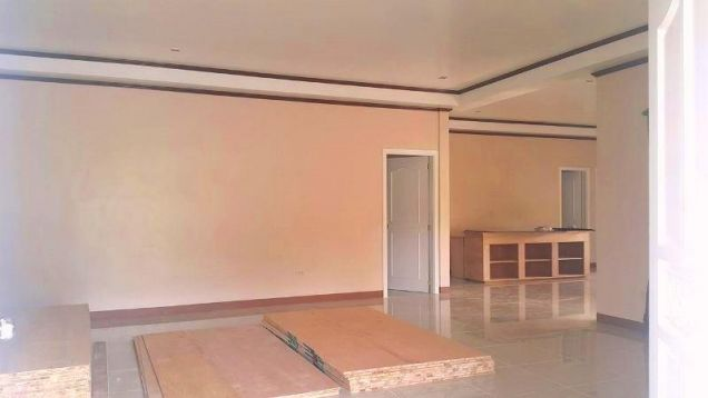 BUNGALOW House & Lot For RENT or SALE In Angeles City Near CLARK - 1