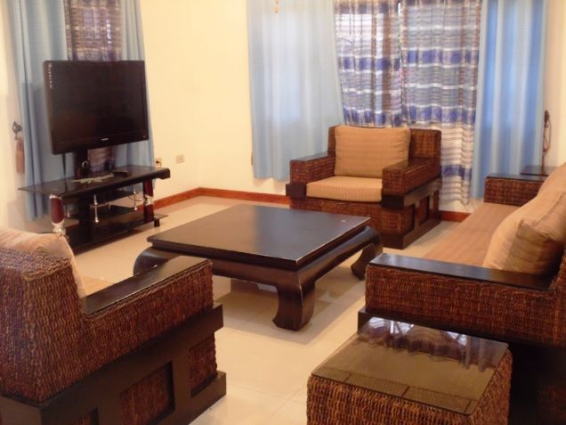 Bungalow House 3 Bedroom Fully Furnished for Rent - P50K - 0