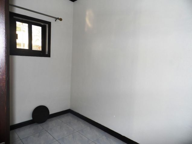 Bungalow house and lot for rent with 3BR in Angeles - 35K - 6