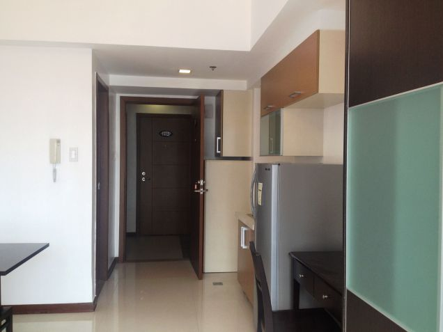 Very Affordable Studio Condominium, Only 6,000 Monthly near TV 5 - 3