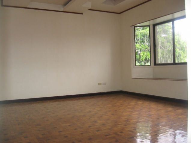 5-Bedroom House in Banilad with Swimming Pool Semi Furnished - 7