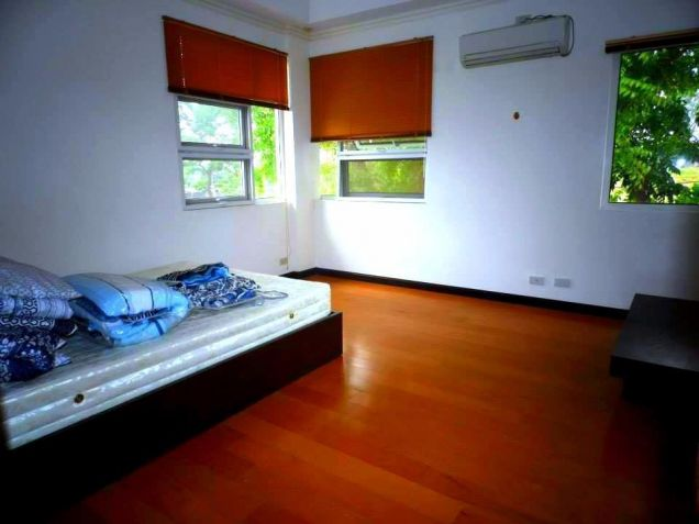 House In Clark Pampanga For Rent With 3 Bedrooms - 3