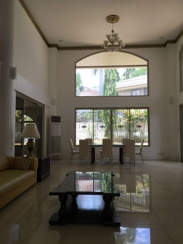 Palatial House in Valle Verde for Rent - 4