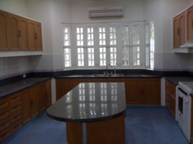 4 Bedroom House for Rent in Urdaneta Village, Makati City - 2