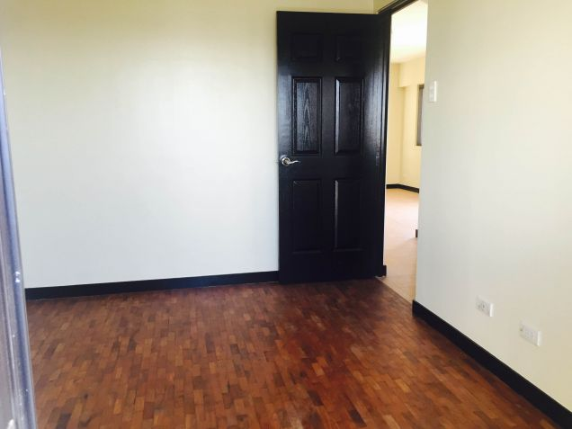 DMCI Taguig Affordable 2BR Condo Cypress Tower Ready for occupancy nr Fort - 4