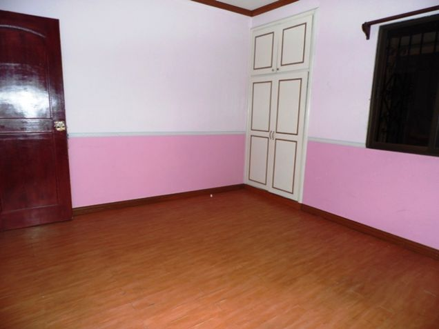 Bungalow House with 4 Bedrooms For Rent - 35K - 2