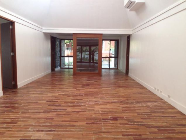 Bungalow House for Lease in Dasmariñas Village - 1