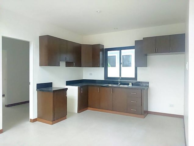 House and lot for rent inside a gated Subdivision in Hensonville - 50K - 9