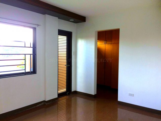 For Rent Three Bedroom House In Angeles City - 8