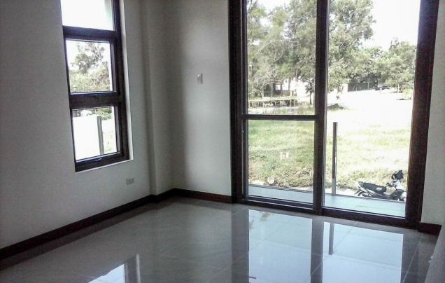 5 Bedroom House for Rent in Mckinley Hill Village Taguig (All Direct Listings) - 9