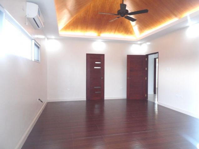 4 Bedroom House with Swimming pool for rent - 100K - 5