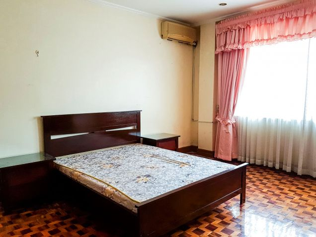 Spacious 7 Bedroom House for Rent in North Town Homes - 9
