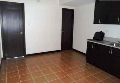 2 Bedrooms Rent To Own Condo in Makati Low Downpayment at San Lorenzo Place - 5