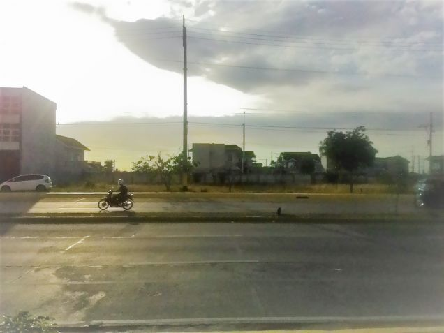 Commercial lot for lease along Molino Boulevard Bacoor Cavite - 0