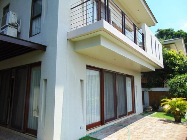 Semi Furnished House For Rent 3 Bedrooms in Banawa Cebu City 300 sq.m. floor area - 0