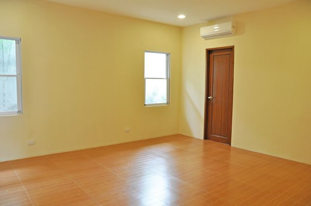Banilad 4 Bedrooms Bungalow House in Exclusive Subdivision unfurnished, P100K - 6