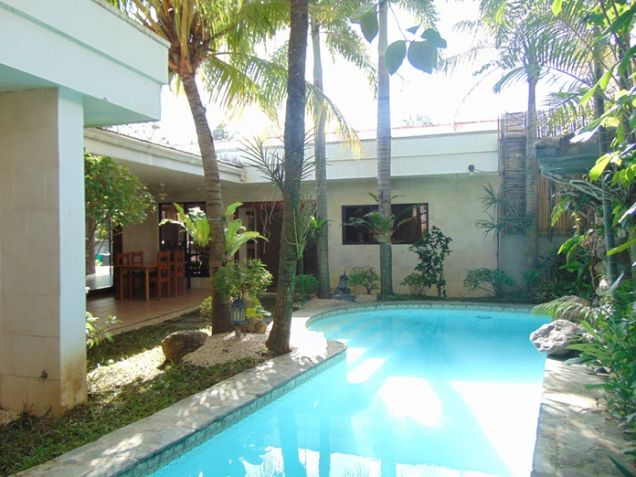 4 Bedroom Bungalow House with Swimming Pool for Rent in Banilad, Cebu City - 0